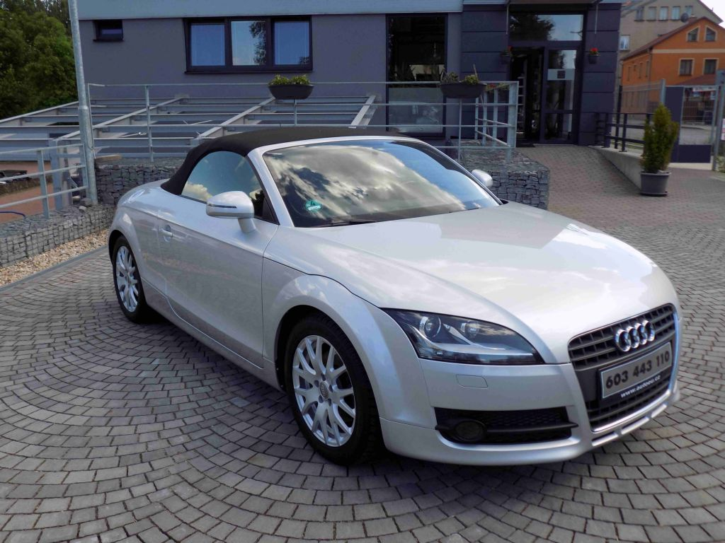 audi tt 1 8 tfsi cabrio top stav. Black Bedroom Furniture Sets. Home Design Ideas