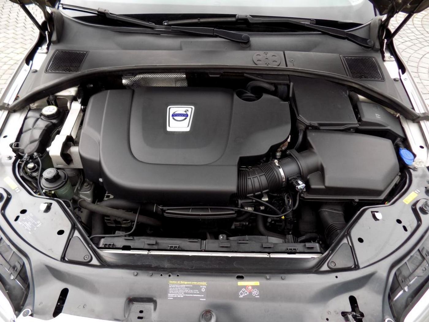 Volvo V70 2.4D AWD Summum Xenon Automat