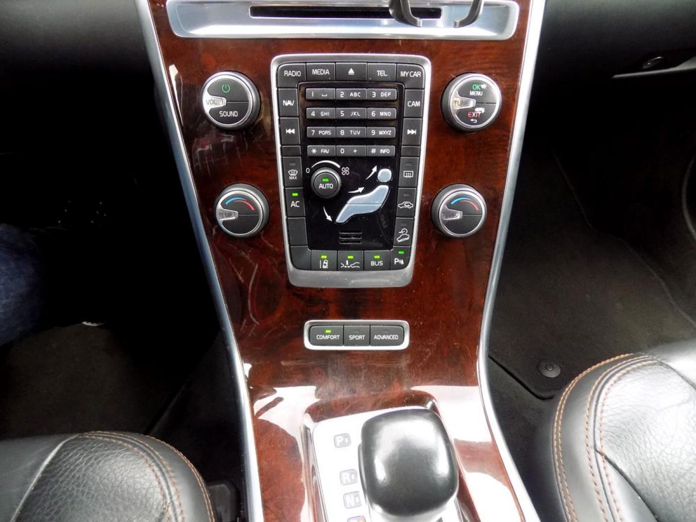 Volvo XC60 2.4 D5 AWD Summum Automat