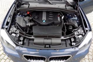 BMW X1 xDrive 18d Top stav vyhřívaná sedad